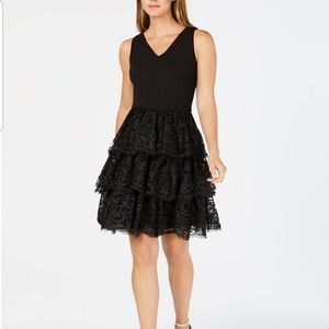 Julia Jordan tiered lace fit and flare dress 8